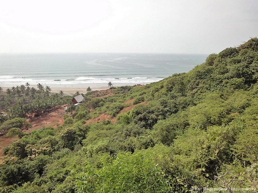 Вид на пляж Вагатор из форта Чапора