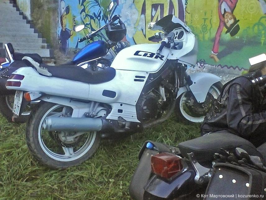 Гламурная Honda CBR