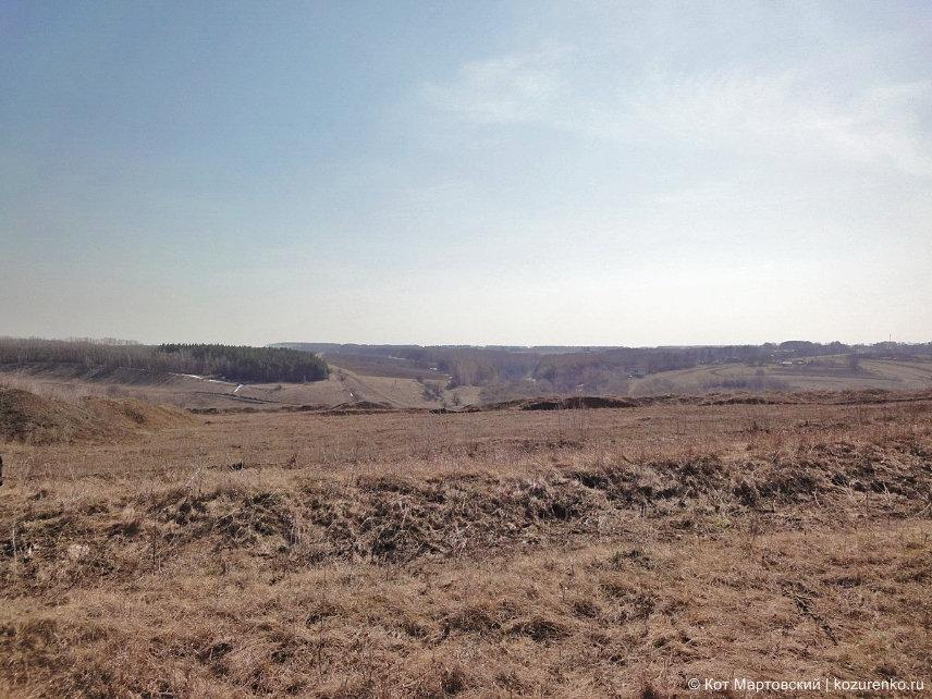 Весенние поля и холмы