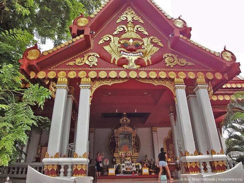 Буддистский храм Ват Кхунарам