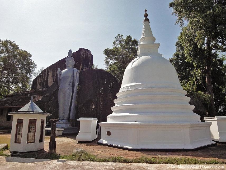 Будда и пагода