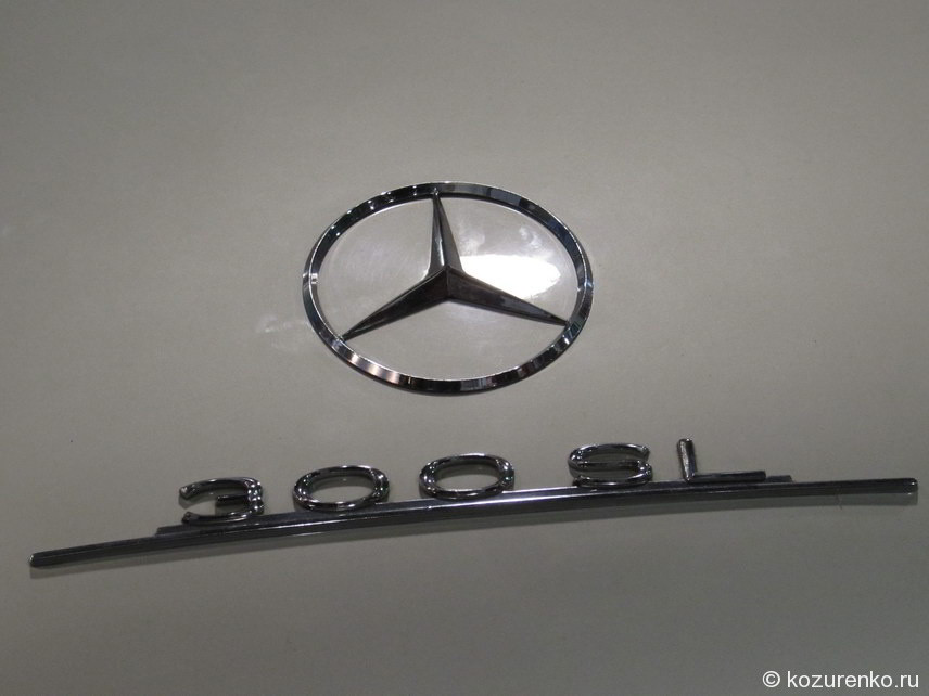 Эмблема Mercedes 300 SL Крыло чайки