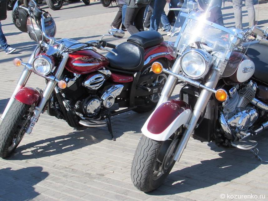 Два круизера Yamaha серии Star Motorcycles