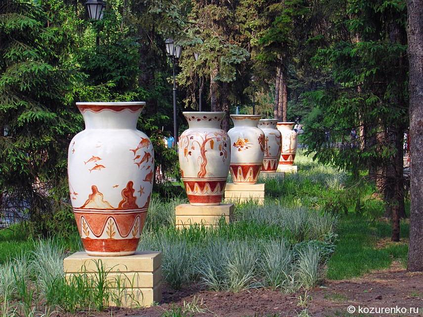 Большие керамические вазы