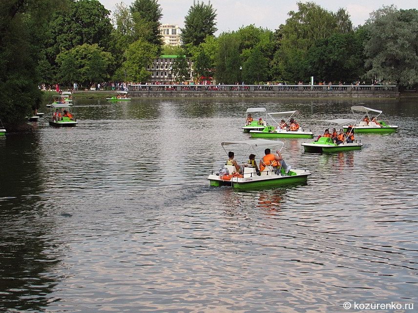 Катамараны в парке Горького