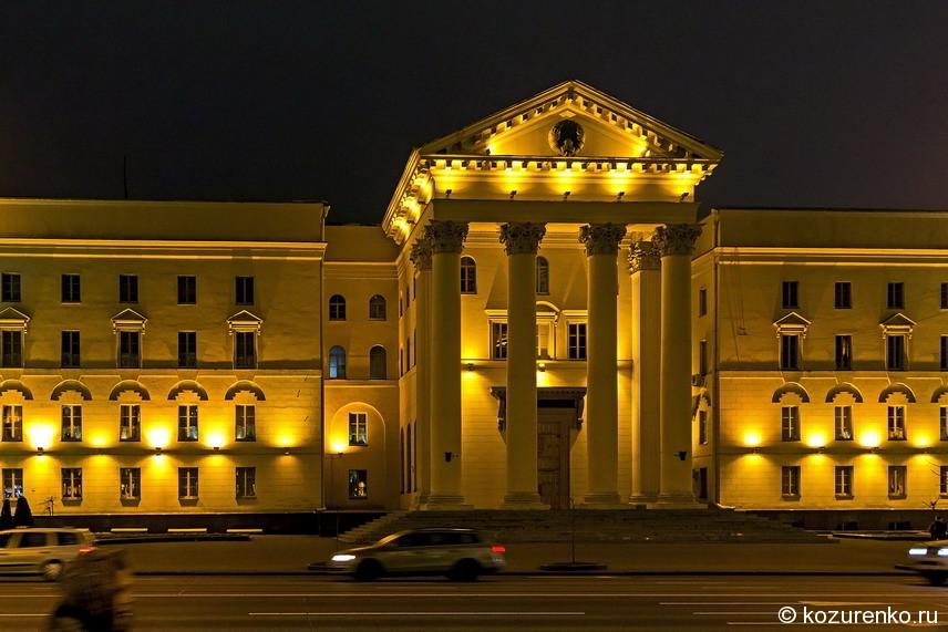 Монументальность во всем. Колонны в Минске особо любимы архитекторами