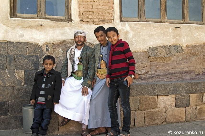 Арабы. Отец с сыновьями