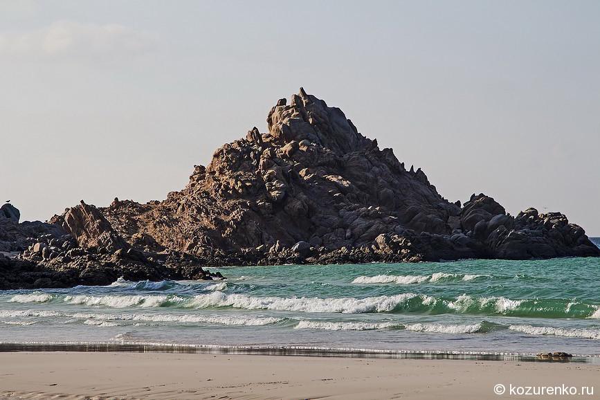 Скалы, вокруг которых можно плавать с маской