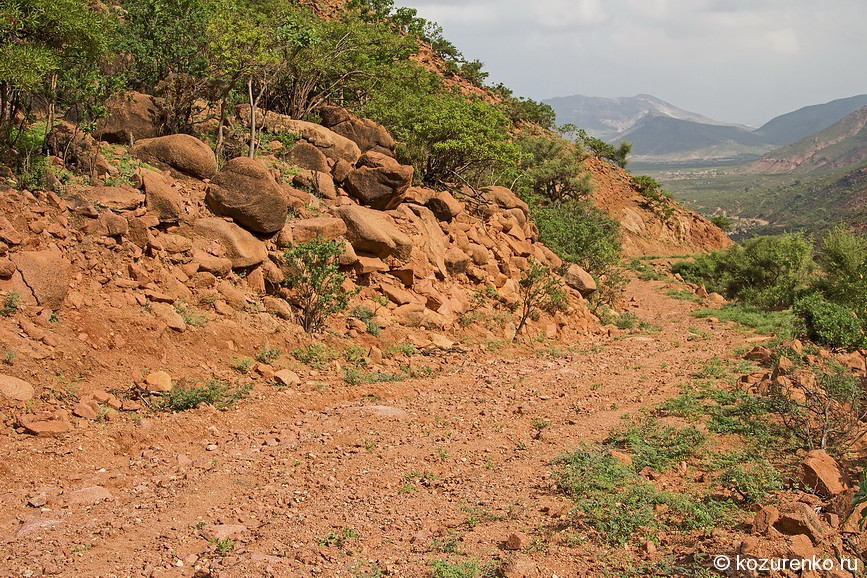 Грунтовая горная дорога