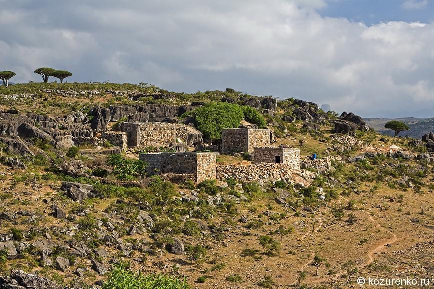 Небольшая горная деревня на несколько домов