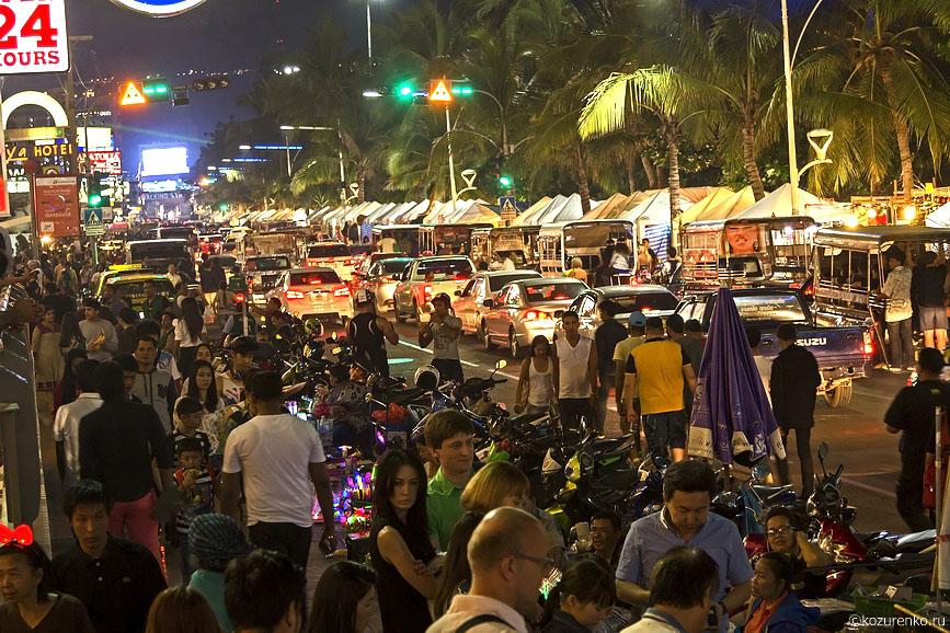 Ночная ярмарка по дороге на Walking Street