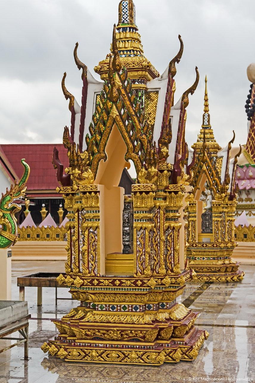 Храмовый комплекс Ват Плай Лаем (Wat Plai Laem)