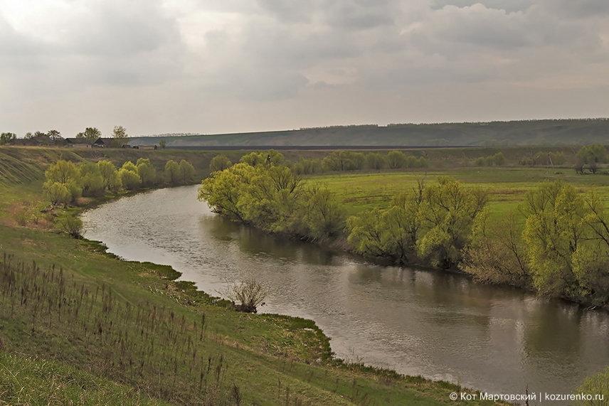 Едем на новое место. Река Дон. Да, тот самы великий и могучий Дон. Не во всех местах он широкий, но очень красивый