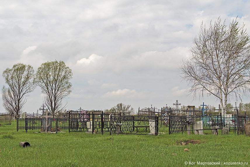 Кладбище стоявшей здесь когда-то деревни
