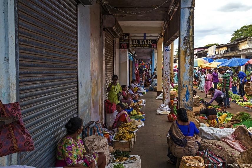 Индуски-продавщицы