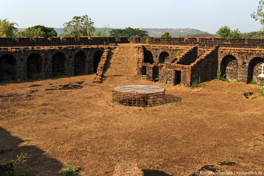 Внутренний двор форта